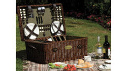HotSpring World Luxury Willow Picnic Hampers
